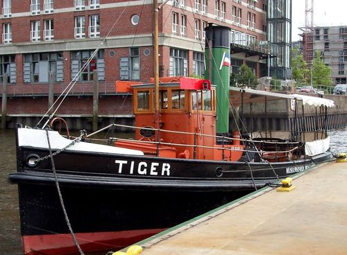 "Kit Steam tug ""Tiger"""
